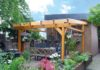 Gemütliche Sitzecke im Garten