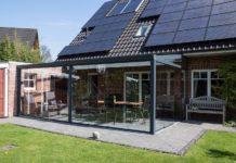 Glasschiebewand-glasflächen zu reinigen
