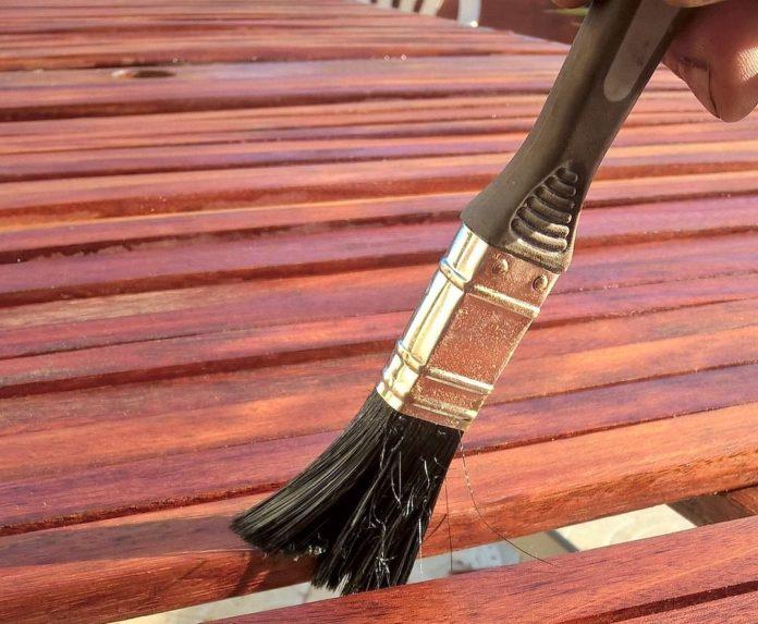 Holzschutz - lackieren oder lasieren