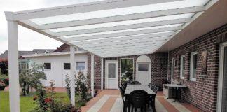 betonplatten verlegen auf der Terrasse