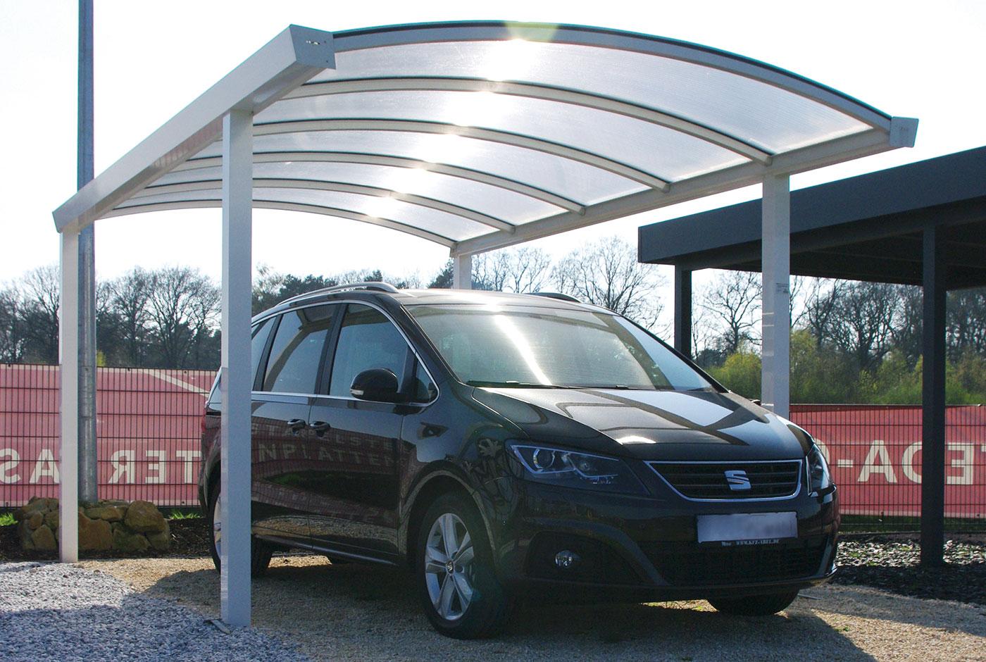carport vor der garage so ist ihr auto optimal gesch tzt. Black Bedroom Furniture Sets. Home Design Ideas