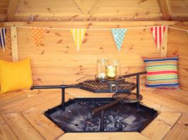gartenhaus-mit-grill