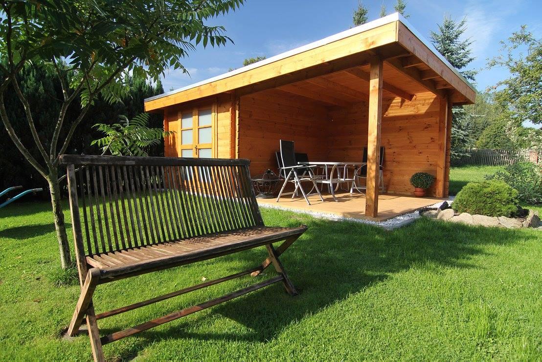 das sommerhaus im garten so wird ihr gartenhaus zur sommeroase. Black Bedroom Furniture Sets. Home Design Ideas