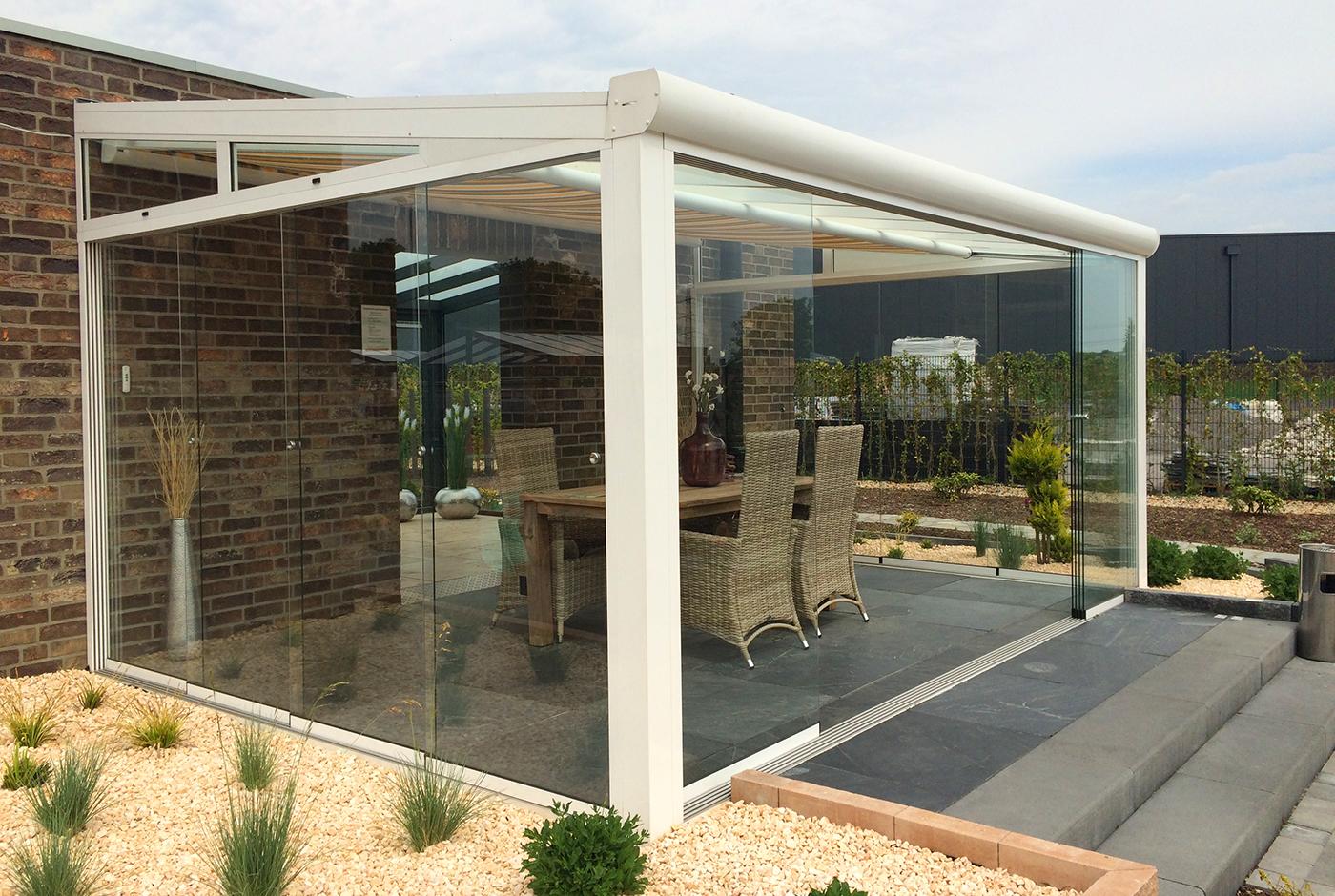 Terrassenüberdachung  Terrassendach zum Öffnen - Glasschiebetüren & Glasschiebedach