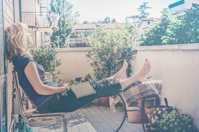 passende gartenm bel f r den kleinen balkon so muss das. Black Bedroom Furniture Sets. Home Design Ideas
