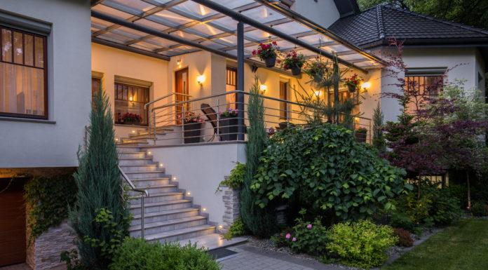 gartenhaus wird zum ferienhaus im garten urlaub machen. Black Bedroom Furniture Sets. Home Design Ideas