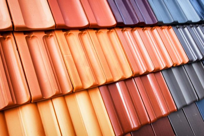 Dachziegel in verschiedenen Farben