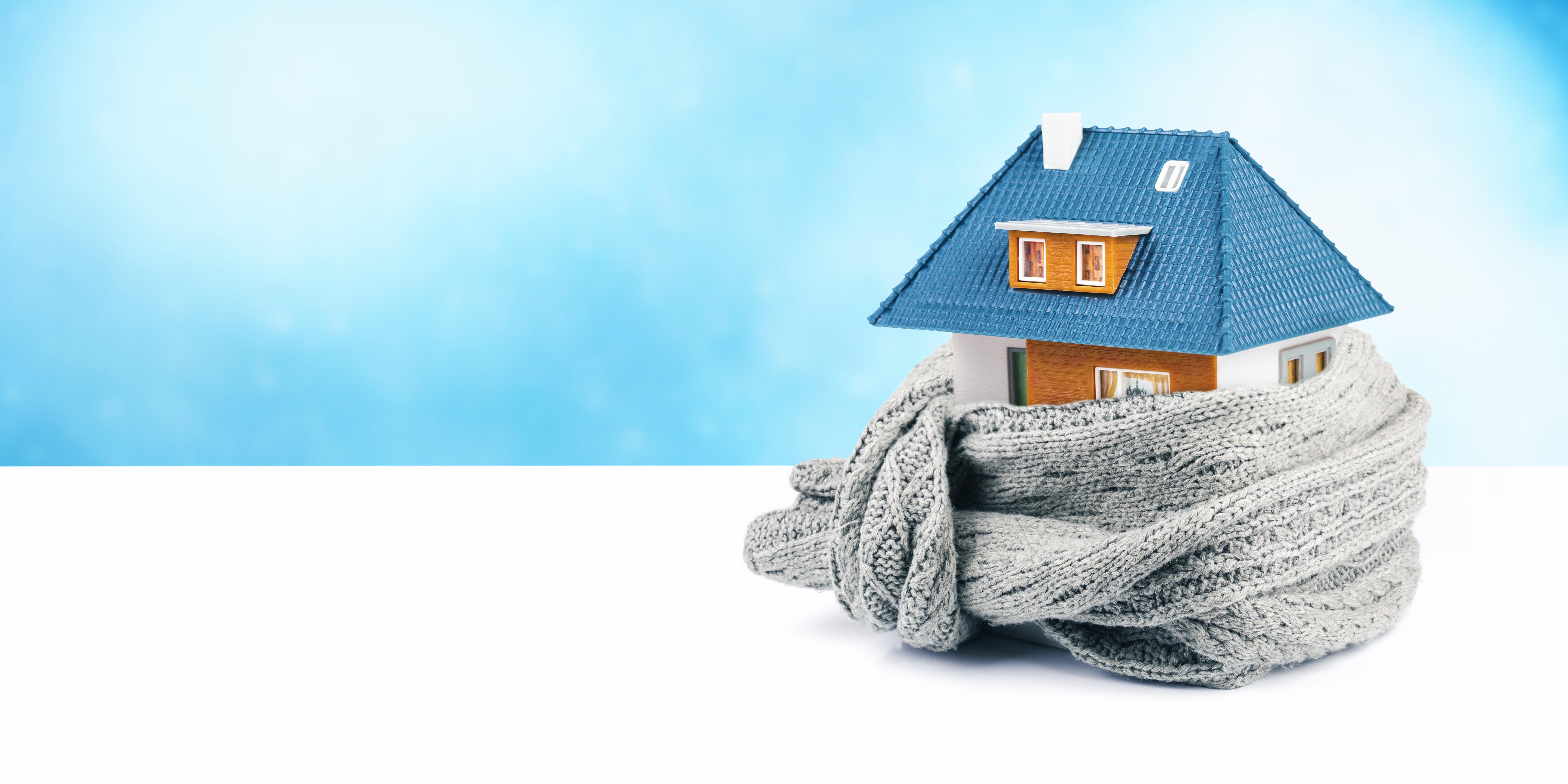 gartenhaus d mmen gesch tzt vor der winterlichen k lte. Black Bedroom Furniture Sets. Home Design Ideas