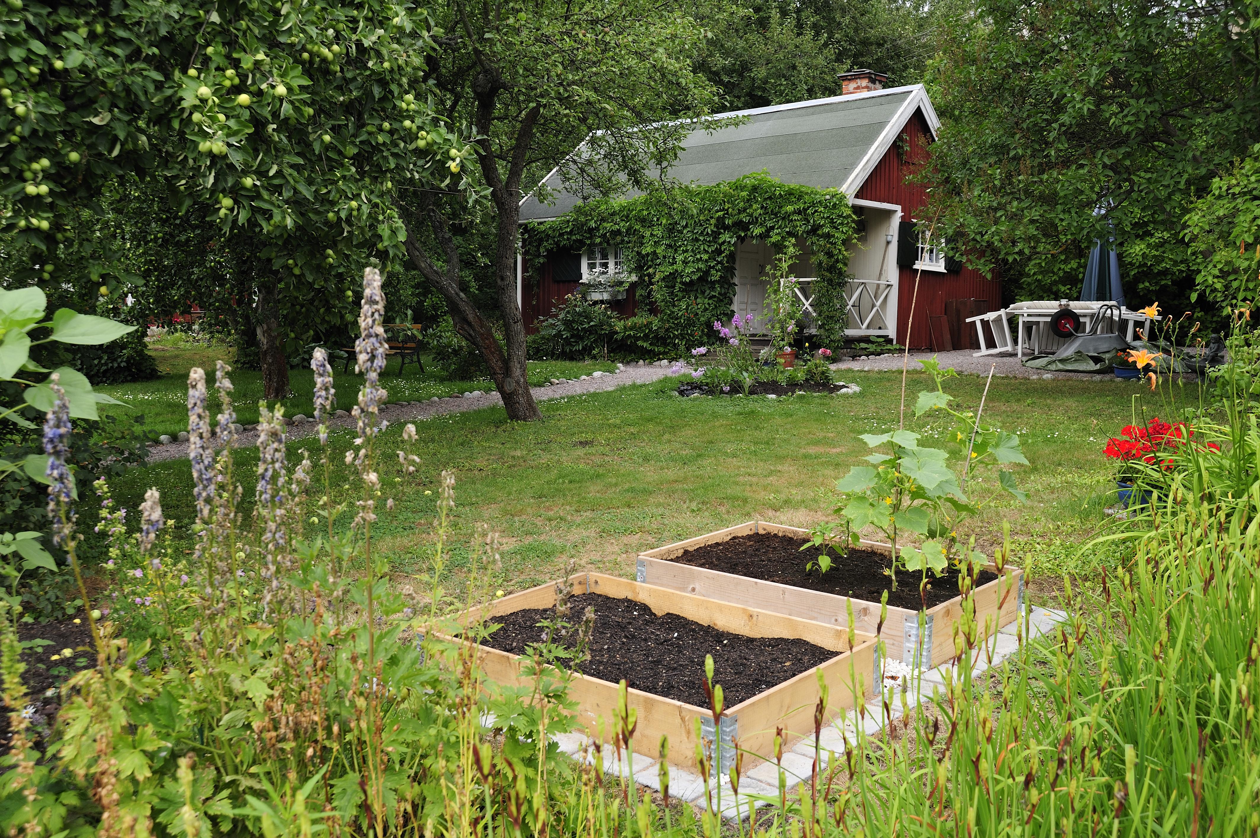 Schwedengarten mit Beet