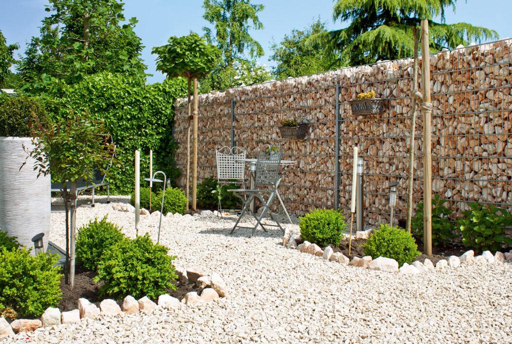 steda-gabionen- windschutz im Garten
