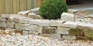 beeteinfassung mit natursteinen