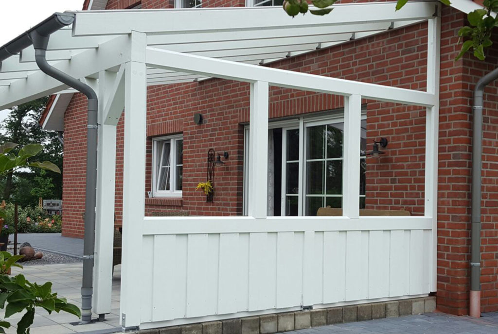 Terrassenüberdachung mit Kunststoff Dachrinne