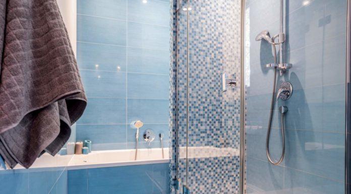 Duschwand aus vsg sicherheitsglas