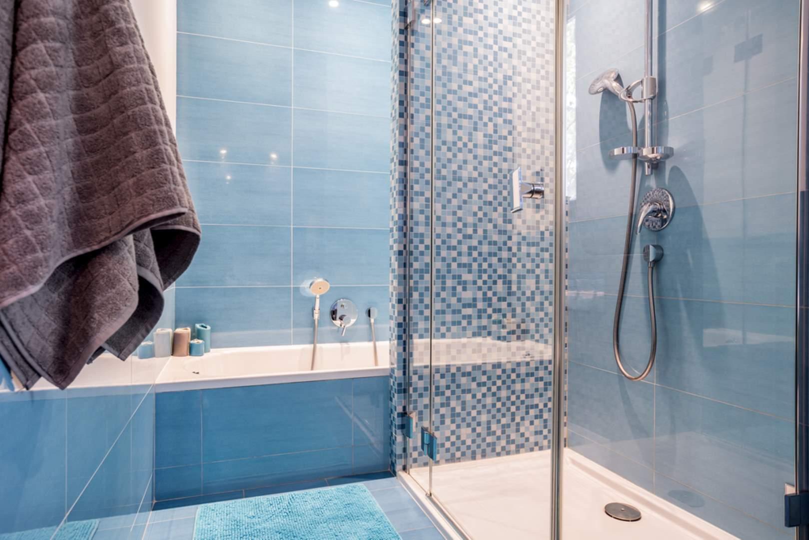 Duschwand aus Glas – Das gilt für Dusche mit VSG Glas