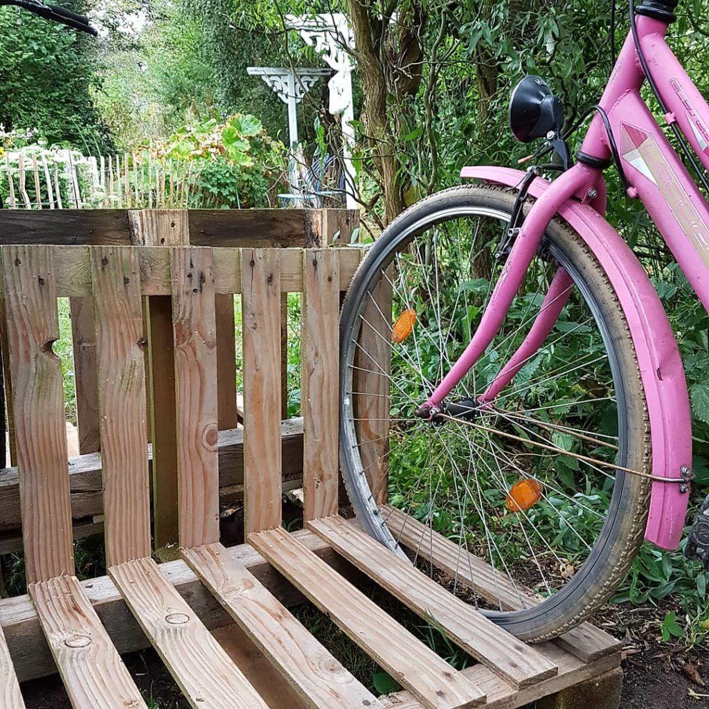 Fahrradstaender-aus-Paletten