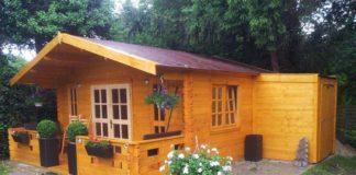 Gartenhaus-mit-Anbau-Garten