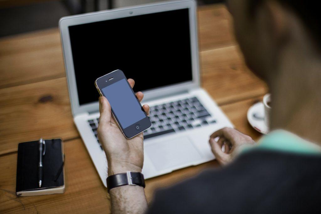handy-laptop-smartphone