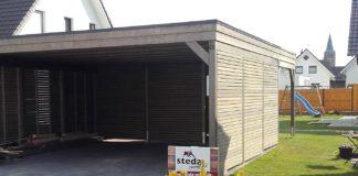 Frontansicht eines Carport mit Rhombusleisten