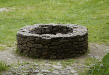 brunnen-steinmauer