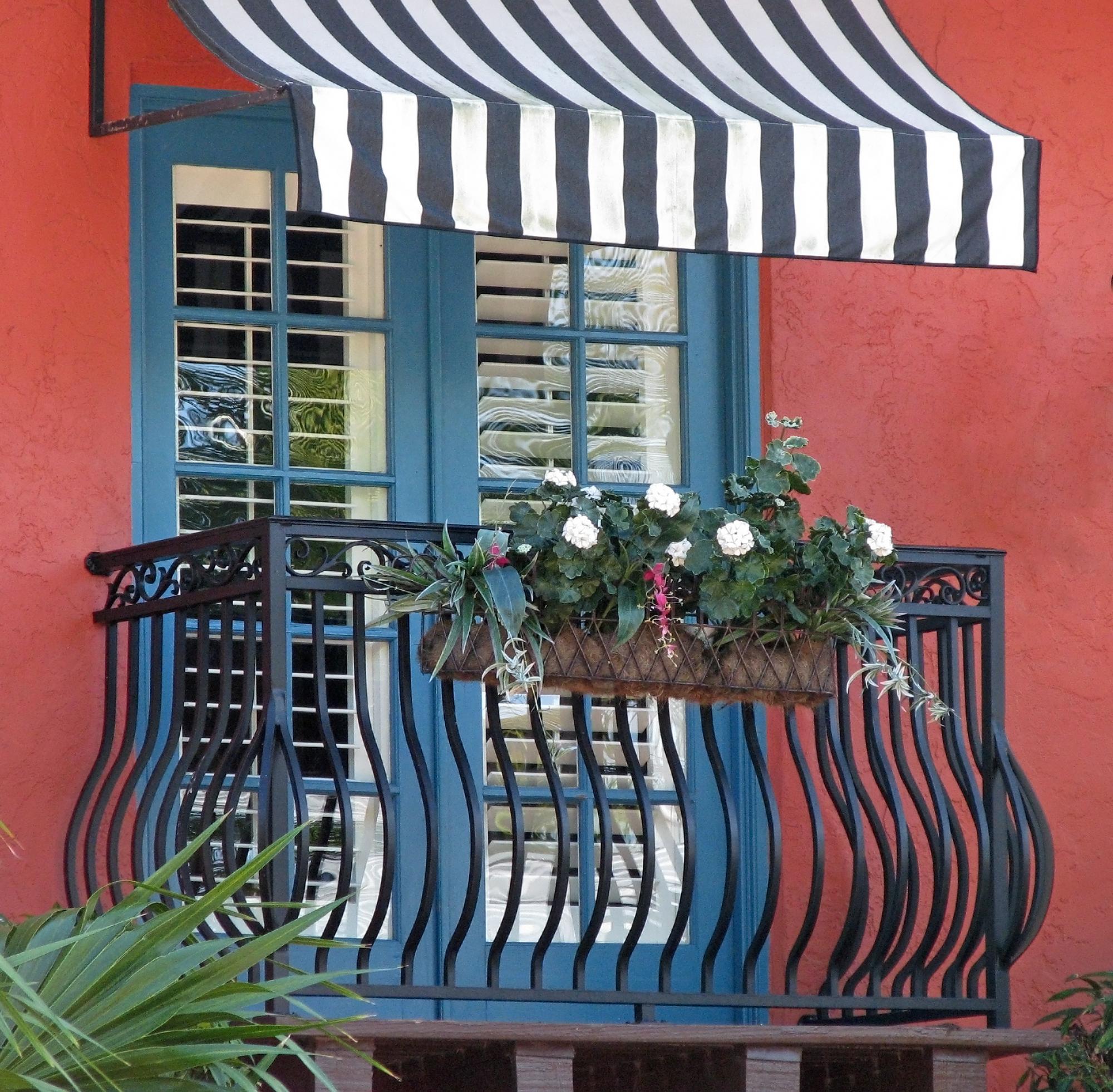 darf ein mieter eine markise an seiner wohnung anbringen. Black Bedroom Furniture Sets. Home Design Ideas