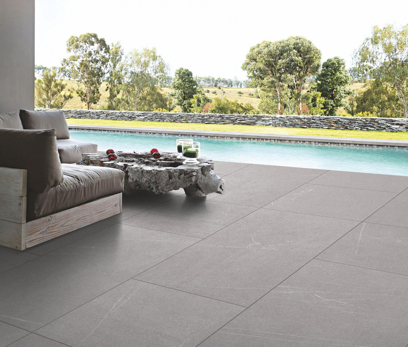 Eine widerstandsfähige Terrasse mit Keramik Terrassenplatten