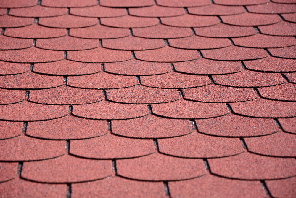 Dacheindeckung Bitumenschindeln in rot