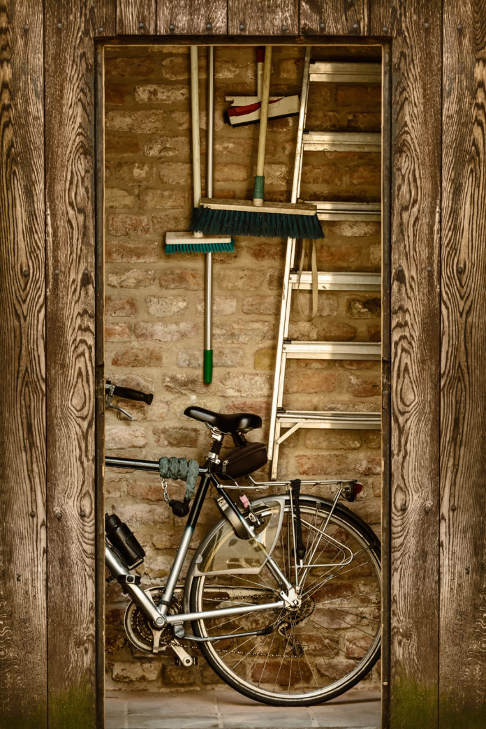 Fahrradschuppen mit Geräten