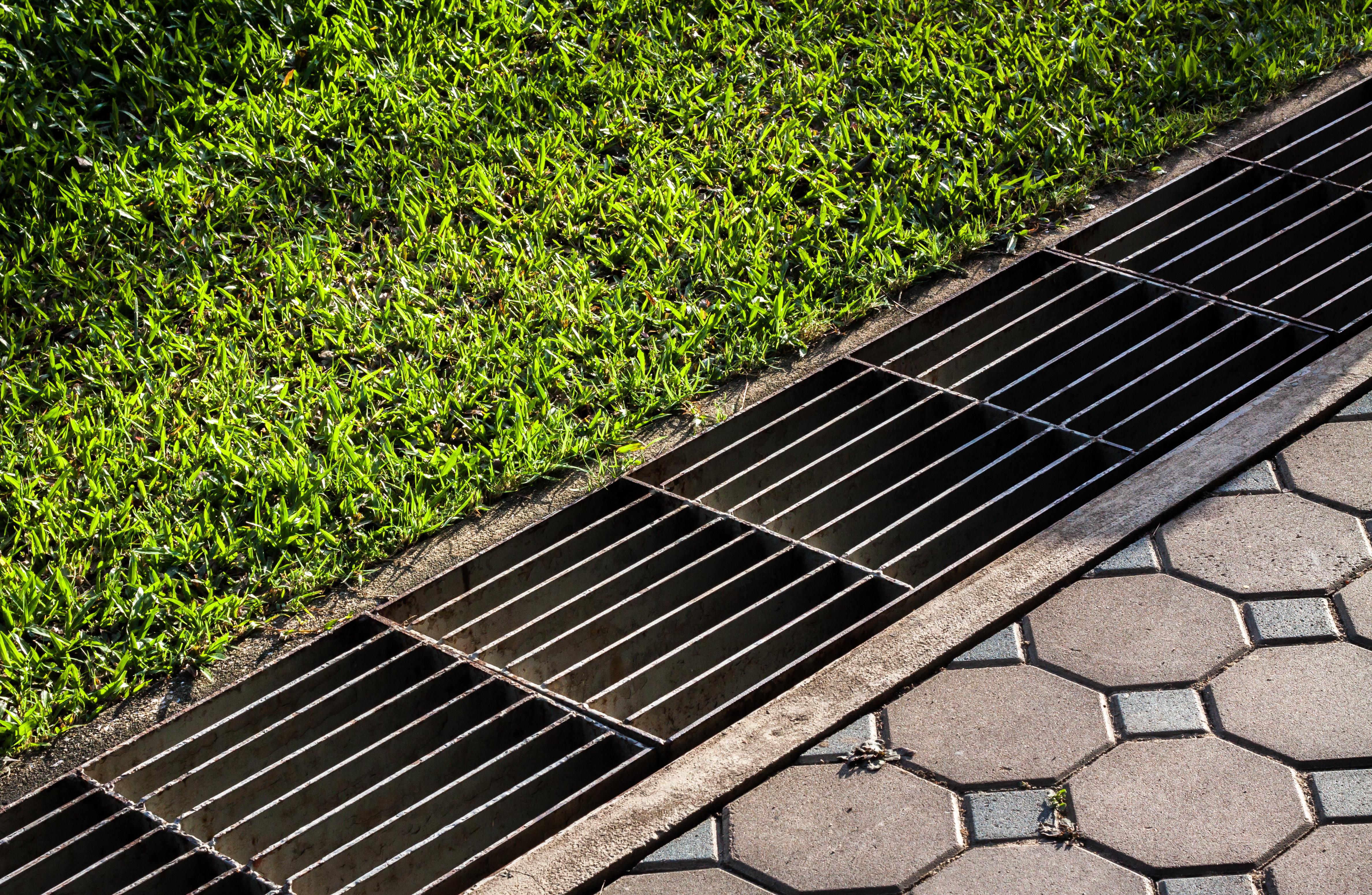 Relativ Terrasse mit Drainage – Wieso ist das sinnvoll und wie geht man es an? GY58
