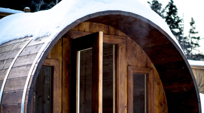 Saunafass im Schnee