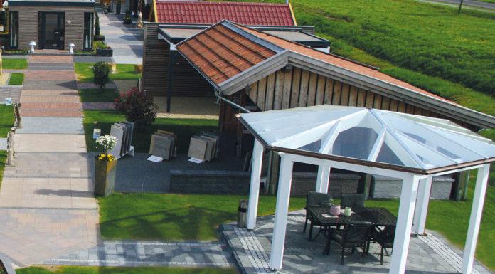 Gartenpavillon in weiß von oben