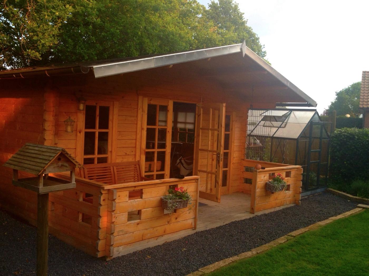 Teehaus Im Garten Rückzugsort Für Kalte Und Regnerische Tage