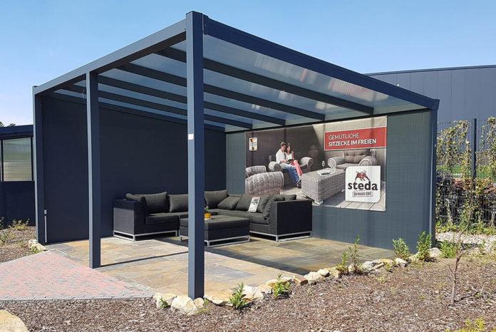 terrassenueberdachung-aus-plexiglas-von-steda