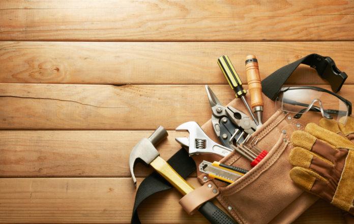 werkzeug zum bau für eine pergola als Terrassenerweiterung